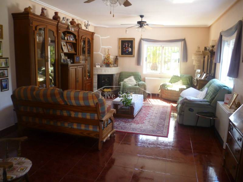 Resale - Villa (detached) - Hondon De Los Frailes